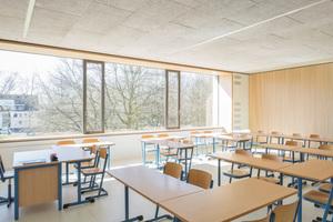 Auch im Klassenraum tragen die Wandelemente von BER dazu bei, die Akus-tik für eine gute Lernatmosphäre zu optimieren⇥Fotos: Tobias Kern