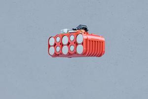 """""""Coolpack 2.0"""": Der rote HDPE Kunststoff leitet die Wärme nach außen"""