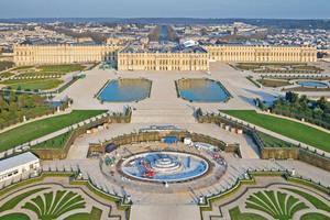 """Unter Leitung von Chefarchitekt Pierre André Lablaude, Abteilung """"Monuments Historique"""" für historische Gebäude, wurde der Latona-Brunnen von Schloss Versailles restauriert"""