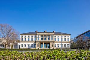 """Hinter den histori-schen Mauern des ehemaligen Wilhelms-palais befindet sich heute das Stuttgarter Stadtmuseum<div class=""""bildnachweis"""">Foto: Kai Loges / die arge lola / Stadtpalais Stuttgart</div>"""