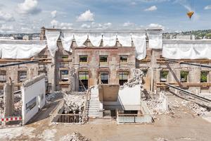 """Nach dem Rückbau der Stadtbücherei von 1961 blieben die Mauern des Wilhelmspalais von 1834 stehen<div class=""""bildnachweis"""">Fotos: LRO Lederer Ragnasdóttir Oei Architekten</div>"""