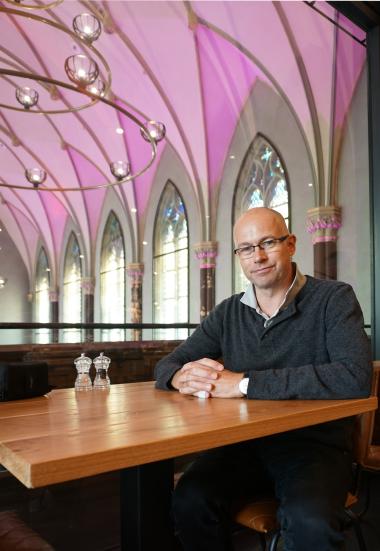 Thomas Wieckhorst, Chefredakteur der bauhandwerk, im Hotel Nassau in Breda (ab Seite 24) Foto: Gonni Engel Kontakt: 05241/801040, thomas.wieckhorst@bauverlag.de