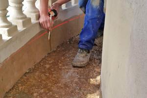 Der Flüssigkunststoff eignet sich sowohl für den Einsatz auf den mineralischen als auch auf den metallischen Flächen der Balkone