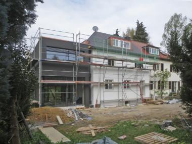 Das Einfamilienhaus aus den 1920er Jahre in Stuttgart vor Beginn der Erweiterungs- und Sanierungsarbeiten