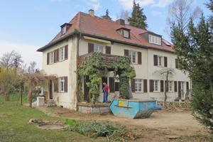 Das Wohnhaus aus den 1920er Jahre in Stuttgart vor Beginn der Erweiterungs- und Sanierungsarbeiten