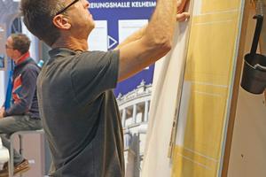 Links: Ausführung einer Schattenmalerei (Graumalerei) auf dem Stand der Firma Keimfarben
