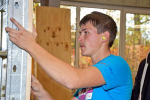 Links: Bei den Beton- und Stahlbetonbauern durfte sich Julian Kiesl aus Mallersdorf-Pfaffenberg über eine Goldmedaille freuen