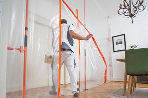 """Staubwände aus Baufolie für saubere Räume während der Arbeiten - und ohne Nachreinigung<span class=""""bildnachweis"""">Fotos + Grafik: Heylo</span>"""