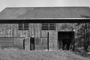 """Der über 100 Jahre alte Stall in Tschagguns vor Beginn der Sanierungs- und Umbauarbeiten<span class=""""bildnachweis"""">Fotos: Velux / Bernhard Breuer</span>"""
