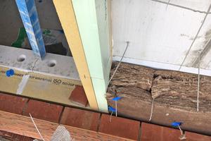 Bauphysikalische und statische Einbindung der Fensteröffnung in die Dämmschicht