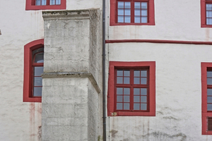 """Der Zustand der Fassade von Schloss und Kloster Iburg vor Beginn der Sanierungs- und Restaurierungsarbeiten<span class=""""bildnachweis"""">Foto: Staatliches Baumanagement Osnabrück-Emsland</span>"""