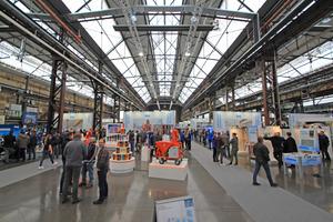 Die alte Schmiedehalle auf dem Areal Böhler in Düsseldorf verwöhnt die Werktage-Besucher mit viel Tageslicht