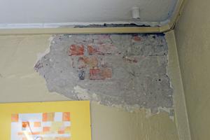 Die Feuchteschäden stellten in den Räumen der Schule ein gravierendes Gesundheitsrisiko dar