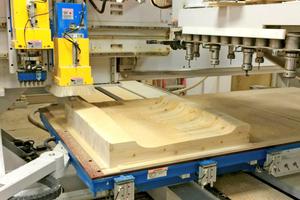 "Herstellung der Zedernholz-Paneele in der Schrei<irspacing style=""letter-spacing: -0.005em;"">ne</irspacing>rei MCM"