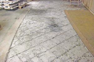 Auf nahezu allen alten kritischen Untergründen kann der Handwerker mit einem Sanierungs-Verbundsystem wieder einen perfekten, verlegefähigen Untergrund herstellen