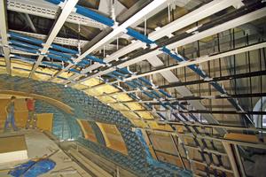 """Die Gewölbeform der Decke wurde mit korrosionsbeständigen und feuchtigkeitsresistenten Materialien in Trockenbauweise von den Mitarbeitern der AMV Holzhausen nachgebildet<span class=""""bildnachweis"""">Fotos: Siniat</span>"""
