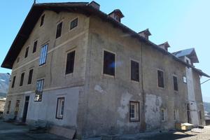 Der Niedermairhof in Südtirol vor Beginn der Sanierungs- und Umbauarbeiten<br />