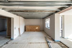 Bei der Planung des Fußbodenaufbaus galt es drei Probleme zu lösen: Statik, Brand- und Schallschutz