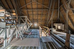 Den Fußboden der Technikebene führten die Handwerker mit einer doppelten Lage aus 2 x 15 mm Brandschutzplatten aus