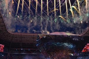 Ein Feuerwerk krönt die Eröffungszeremonie. Kurz zuvor hat Ministerpräsident Dmitri Medwedew die WorldSkills für eröffnet erklärt