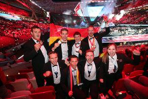 Das Foto zeigt die Medaillengewinner der WorldSkills 2019 in Kazan<br />