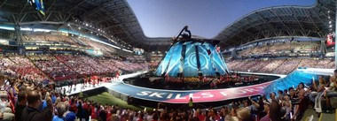 Die Bilder der spektakulären Eröffnungsfeier erinnern sehr an Olympische Spiele<br />