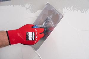 6 – 8 mm Putz auftragen und glätten