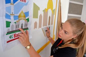 In der heimischen Doppelgarage trainiert Jessica Jöreges für den Wettbewerb in Kazan