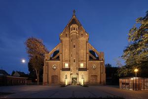 In der umgenutzten Herz-Jesu-Kirche in Mönchengladbach befinden sich heute Wohnungen