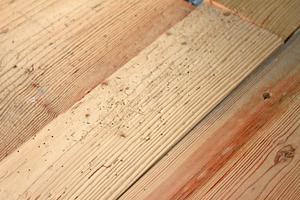 Antik-Holz-Dielen aus bis zu 200 Jahre altem Fichtenholz