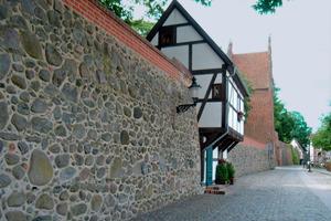 Mörtelsysteme mit Kalk als Bindemittel eignen sich besonders zur Sanierung historischer Bausubstanz