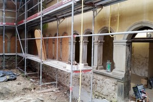 Kreuzgang Innenhof während der Sanierung