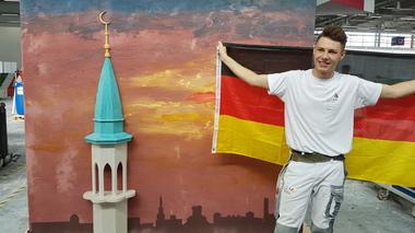 Bei der freien Gestaltung am letzten Wettkampftag stielt Stuckateur Tobias Schmider seinen Mitbewerbern die Show