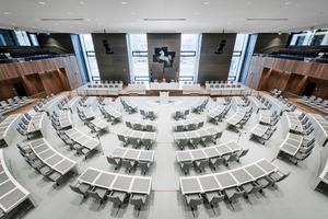 Blick in den renovierten Plenarsaal