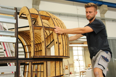 Das aus etwas mehr als 50 Einzelteilen bestehende Sonderformteil von Knauf konnte einfach und passgenau vormontiert werden