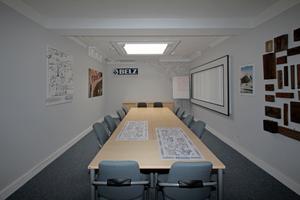 In diesem Besprechungsraum bespricht das Team regelmäßig interne Abläufe