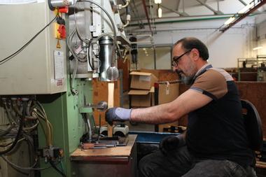 Einstielen eines OEM-Schlosserhammers