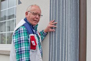 Stuckateurmeister Horst Hallenberger hat sich auf die Ausführung der Sgraffito- und Listeltechnik spezialisiert