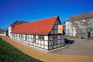 Vom Stall und Wirtschaftsgebäude zur Praxis: Das historische Fachwerkhaus auf Schloss Pretzsch