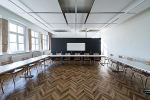 Klassenräume profitieren von einem Fußbodenaufbau, der bei einer Aufbauhöhe von nur 35 mm die Anforderung F90 erfüllt