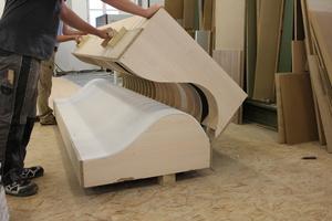 Für die Brüstung der Empore wurden Formteile in der Werkstatt der Möbel-Damm GmbH hergestellt