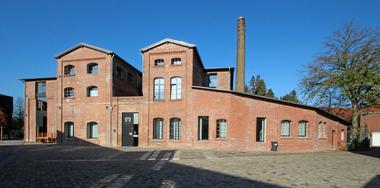 In dem aus Brennerei und Mälzerei bestehenden Ensemble der ehemaligen Elmendorfer Kornbrennerei im Gütersloher Ortsteils Isselhorst hat ein vielfältiges neues Leben Einzug gehalten<br />