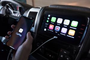 Neu ist auch das Infotainment-System mit sieben Zoll Touchscreen und integriertem Apple CarPlay