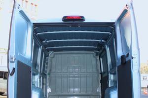 Die Hecktür im L2H1 gibt eine Öffnung von 1562mm Breite und 1520mm Höhe frei