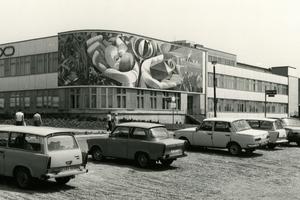 Das zu Beginn der 1980er Jahre am Erfurter Kultur- und Freizeitzentrum am Moskauer Platz angebrachte Wandmosaik von Josep Renau<br />