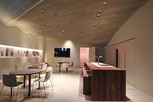Asymmetrisches Scheingewölbe im Keller, der sowohl für Vorträge und Sonderausstellungen als auch für den Ausschank von Getränken genutzt werden kann<br />Fotos: Thomas Wieckhorst