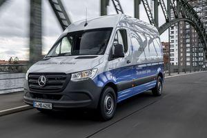 """Der """"eSprinter"""" steht zunächst als Kastenwagen mit einem zulässigen Gesamtgewicht von 3500 kg zur Verfügung<br />Foto: Daimler"""