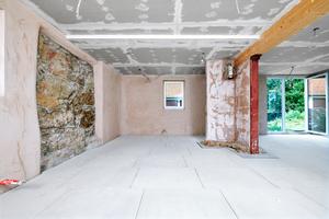 """Basis für den neuen Boden in einem Fachwerkhaus in Langensteinach ist das Fertigestrichelement """"Cement Board Floor TE"""""""
