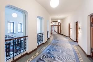 Das neue Brandschutzkonzept sah vor, dass die Treppenhäuser sicher mit Glas von den Fluren getrennt sind