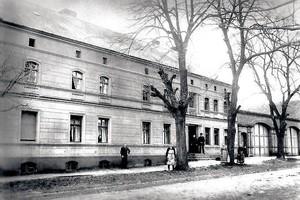 """Der Gutshof auf einer historischen Aufnahme <span class=""""bildnachweis"""">Foto: privat</span>"""